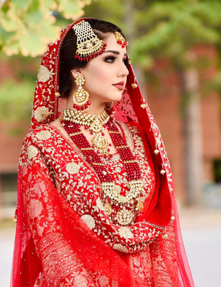 pakistani-bride-with-red-lip