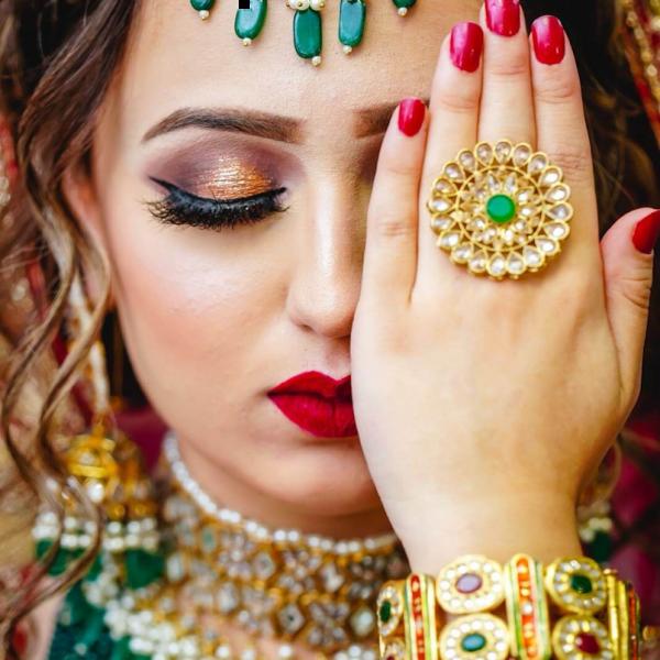 glitter-baraat-red-makeup